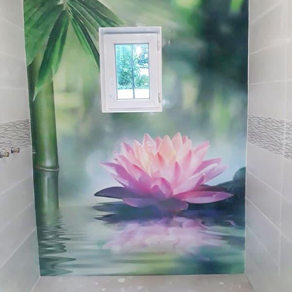 crédence zen salle de bains, découpe fenêtre personnalisée