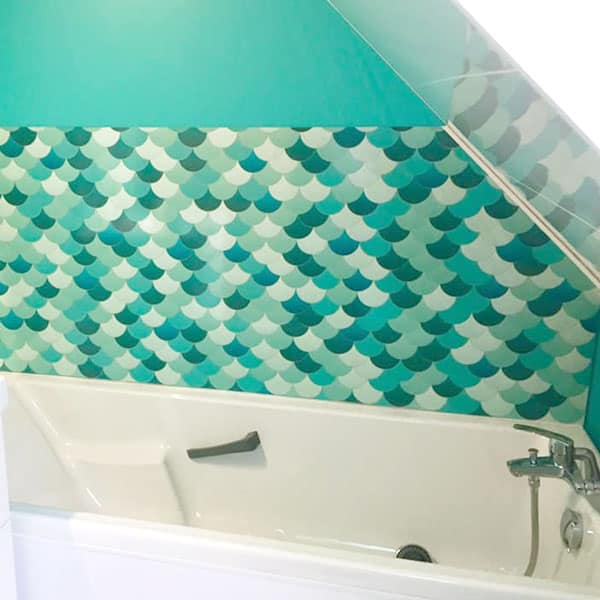 décor Ecailles, rénovation mur de salle de bains, pose et entretien faciles
